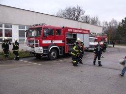 1. 12. 2012  Výcvik nositelů dýchací techniky na polygonu báňské služby v Ostravě-Radvanicích
