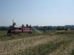 29. 7. 2013  Zalévání stromků během sucha na cyklostezce do Vřesiny